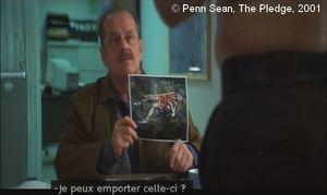 The Pledge  de Sean Penn.  Photogramme – 61.  0h 43' 20''.  La photo de Luane Rotz que Jerry va dérober.