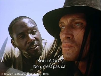 "Charley-Le-Borgne  de Don Chaffey.     Photogramme 21.  Le Soldat propose un second nom : ""Bison assis""."